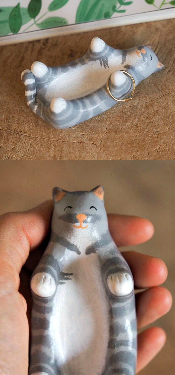 A hand painted kitty cat jewelry holder by Paint My Dream.