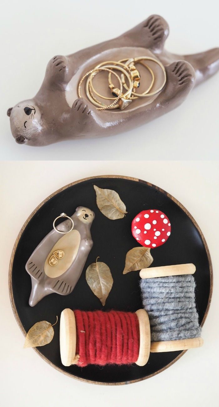 Otter jewelry holder by Paint My Dream.