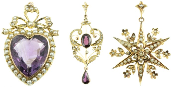 Beautiful antique gold pendants from Carus Jewellery.