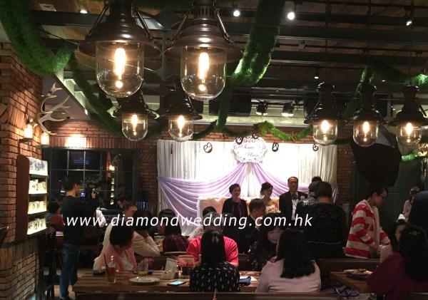 Simple-Wedding-Decoration-lunch-wedding-in-restaurant