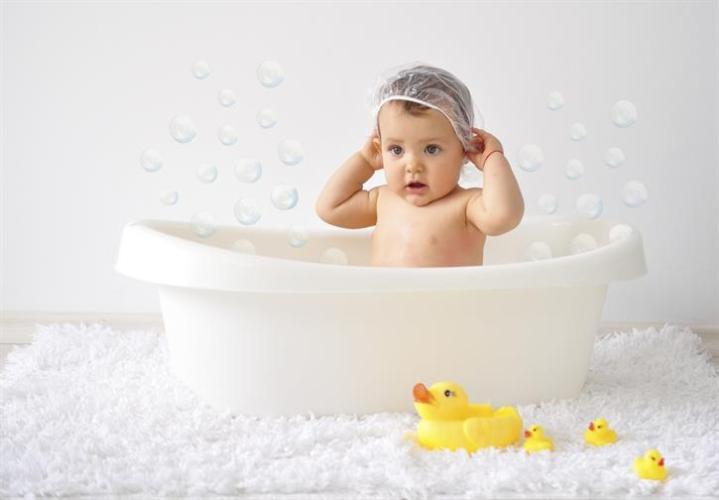 Ghidul bebelusului: 5 obiecte INDISPENSABILE pentru igiena si sanatate