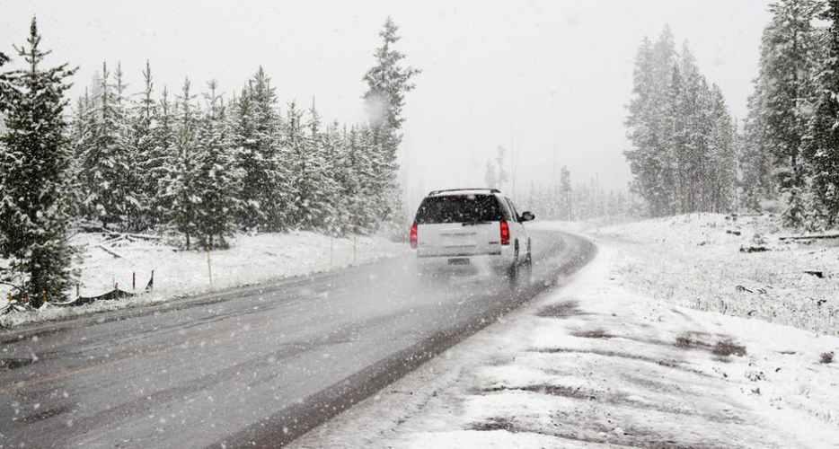 3 lucruri absolut NECESARE pentru a porni masina in timpul iernii