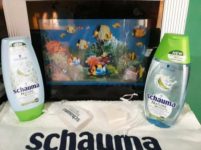 Pentru un păr sănătos și hidratat alege Schauma Nature Moments Coconut Water!