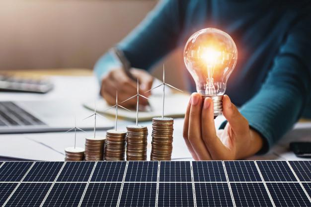 Economiseste bani cu ajutorul unor sisteme de panouri fotovoltaice