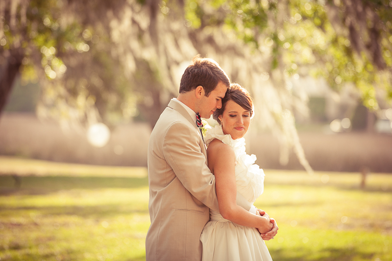 bride and groom in charleston sc