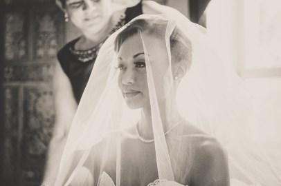 bride in her veil in charleston
