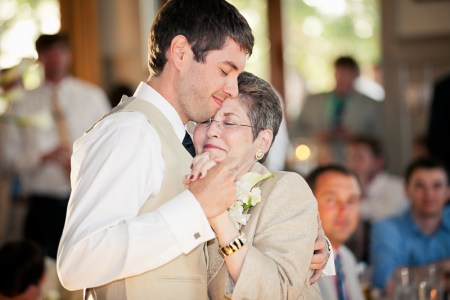 groom and mother dancing