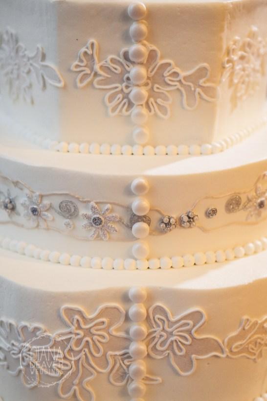 lace inspired wedding cake (1)