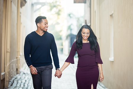 charleston alley winter and fall engagement session downtown charleston sc photographed by Diana Deaver Weddings (7)