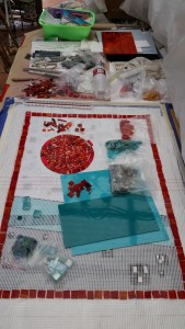 Template with mosaic netting