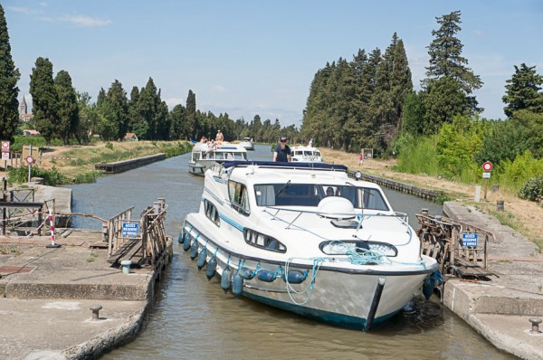 le-boat-canal-du-midi-french-boating-france-south-of-france-streets-travel-blogger-writer-journalist-press-tour-international-travel-diana-elizabeth-american-french-vacation-french-riviera-138