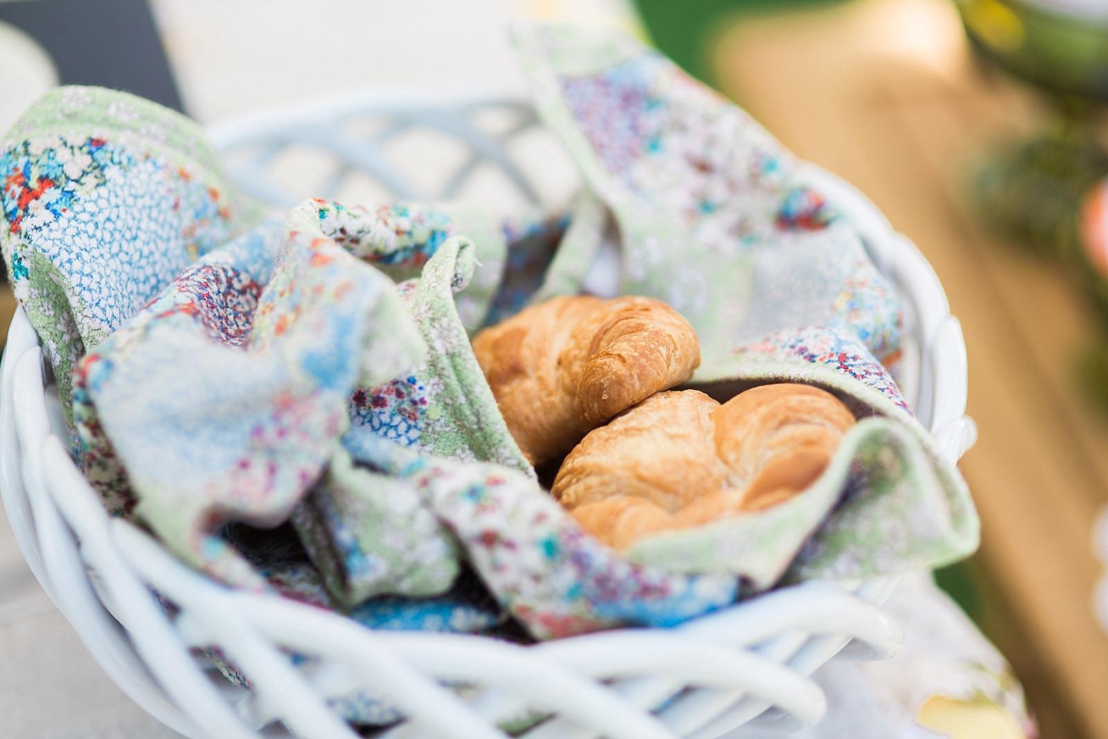 diana-elizabeth-blog-lifestyle-dunkin-creamers-dunkin-donuts-brunch-book-club--4535
