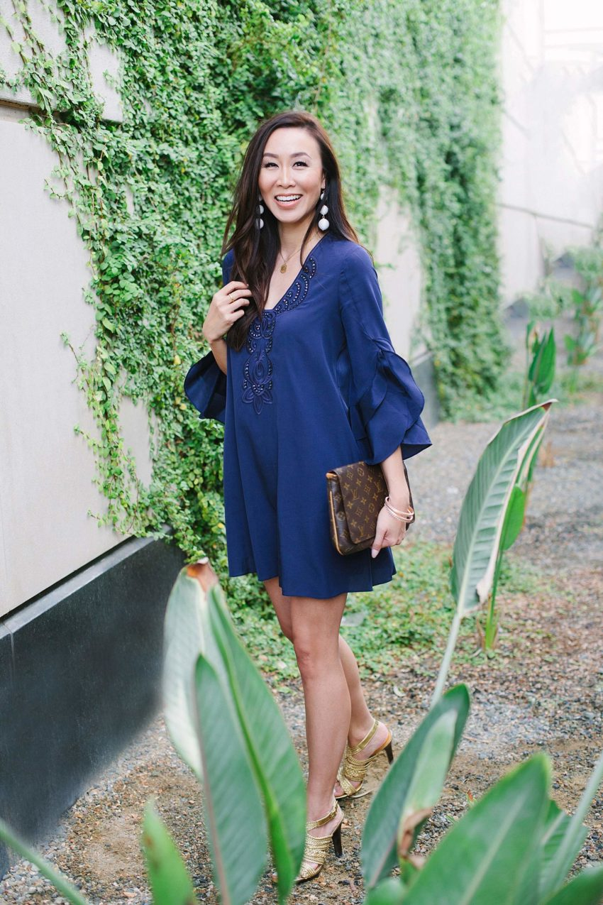https://dianaelizabethblog.com/wp-content/uploads2/2017/11/lilly-pulitzer-blue-dress-arizona-phoenix-diana-elizabeth-fashion-style-blogger-2113x.jpg