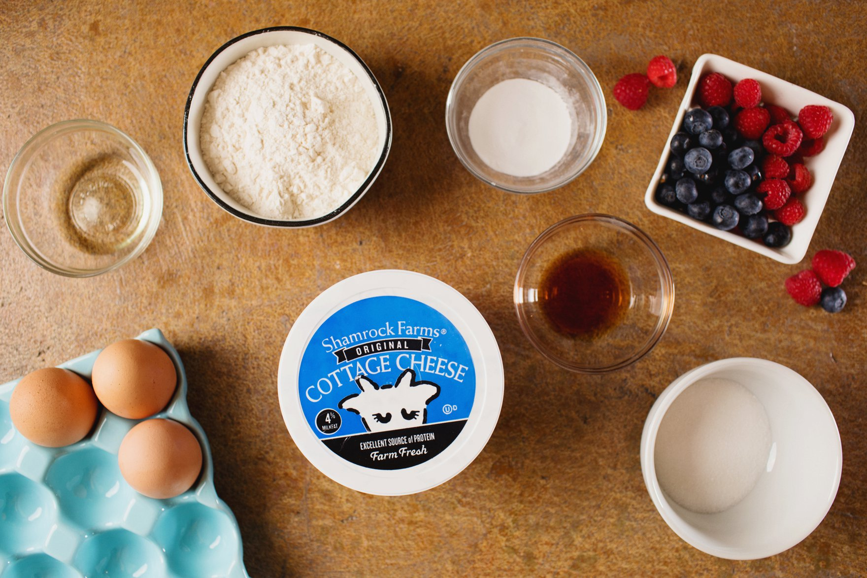 easy protein pancake recipe no protein powder use cottage cheese instead - so easy! Featuring shamrock Farms cottage cheese. whats in a protein pancake ingredients