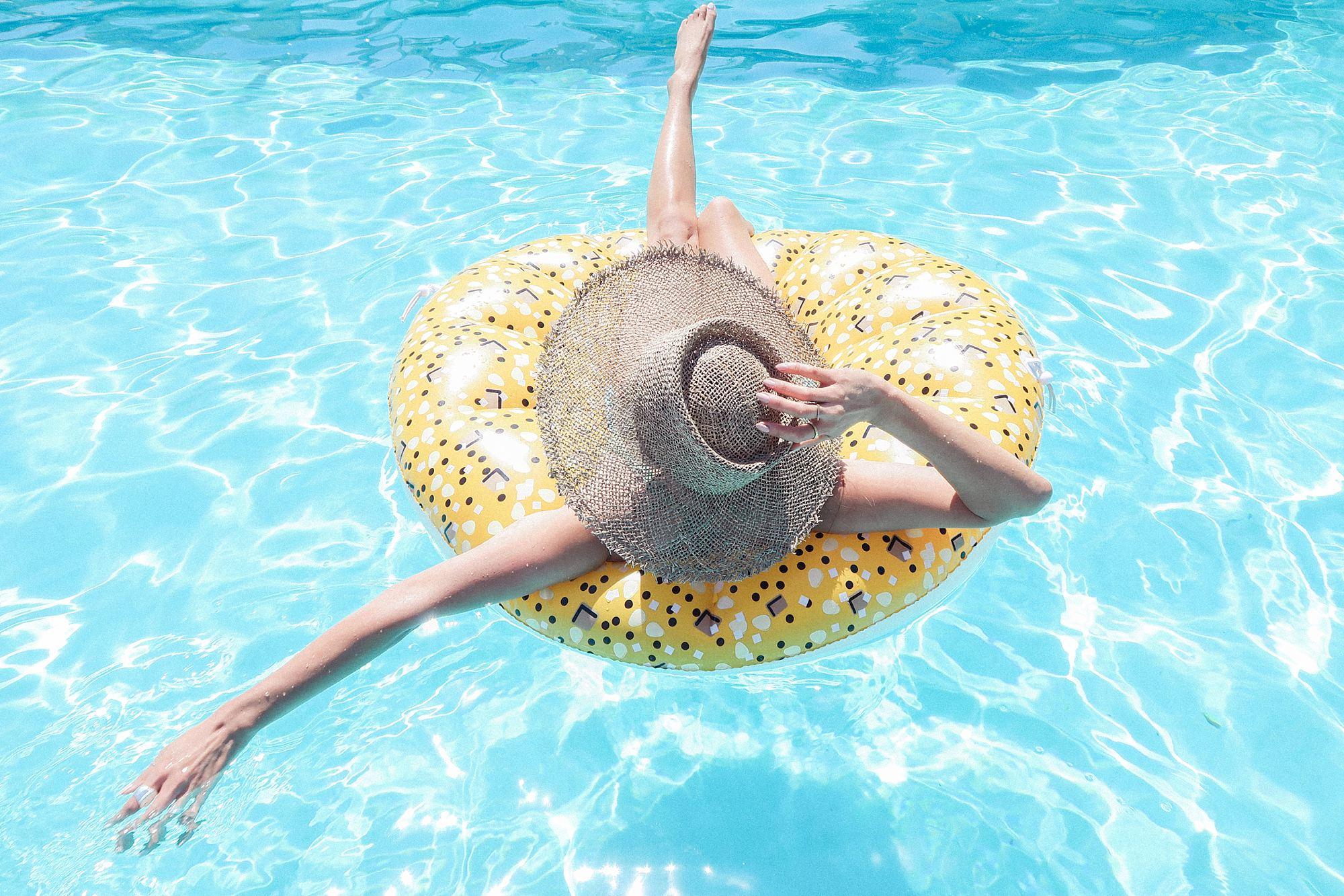 everything bagel pool floatie