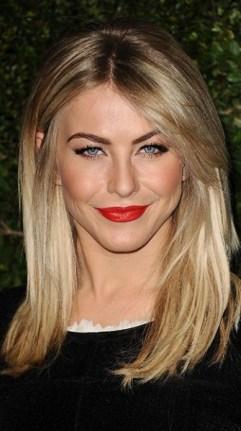 julianne-hough-red-lip_335x600