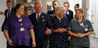 Prince Charles and Camilla visited emergency services staff on duty during the London Bridge attack Photo (C) REUTERS
