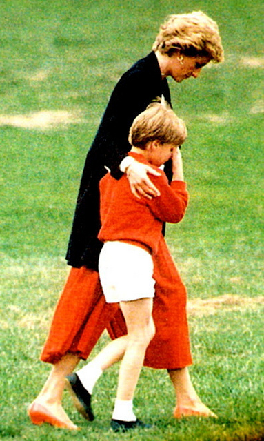 Prince William Speaks of When He Found Out Diana Had Died (Some UNSEEN Pics of Princess Diana)