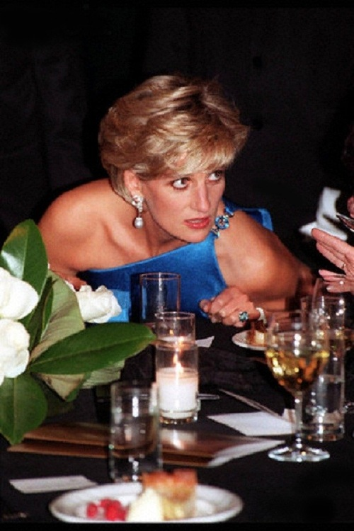 31 Oct 1996, Sidney, Vancouver Island, British Columbia, Canada --- Visit of Lady Diana, Princess of Wales, in Sidney. --- Image by © Andrew Murray/Sygma/Corbis