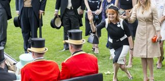 Fergie and Beatrice greet the Queen at Ascot. As the older generation of Windsors slowly retires from public duties