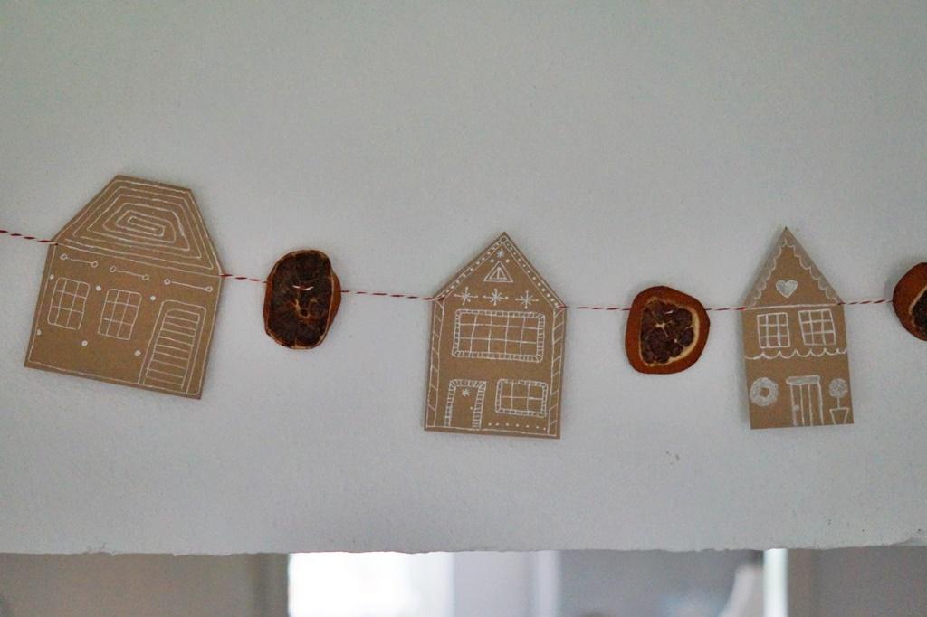 DIY weihnachtliche Knusperhaus Orangen Girlande