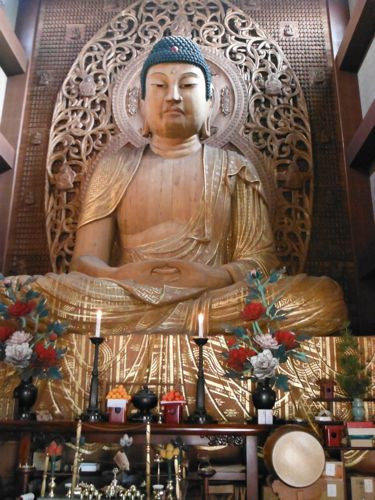 Japan's largest wooden buddha.
