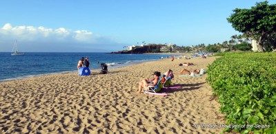 This is Kaanapali Beach a well developed area surrounded by resorts and golf course