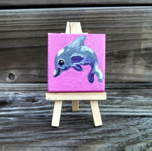 mini-dolphin-pink-bkgrd