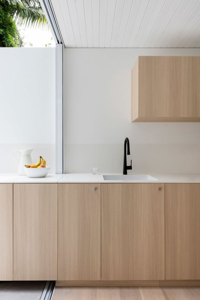 a clear and minimal kitchen maximises the space