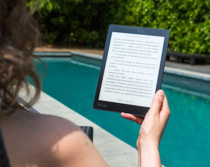 Kindle Poolside Reading
