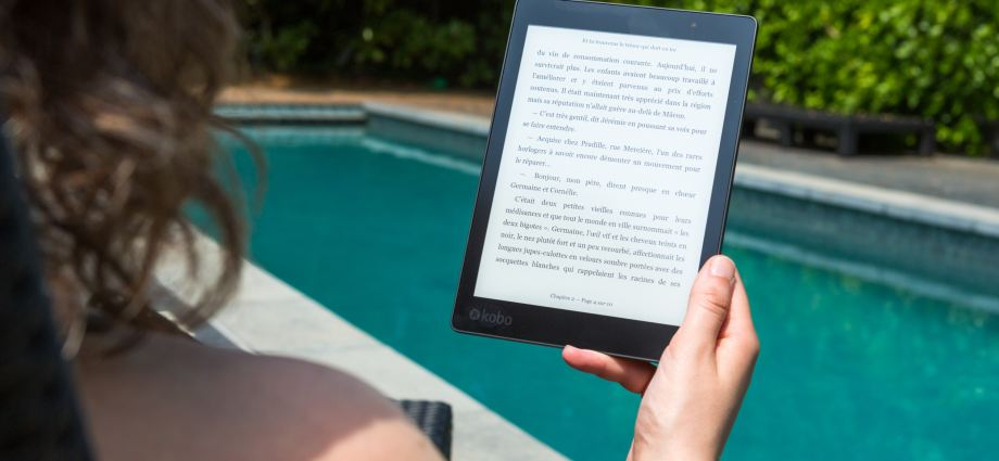 Kindle Poolside Reading
