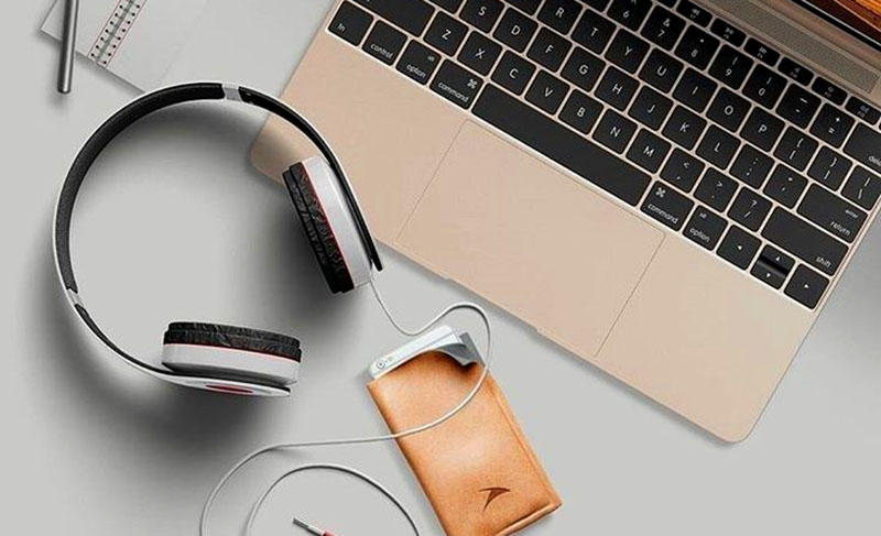 Aksesoris Laptop Headphone