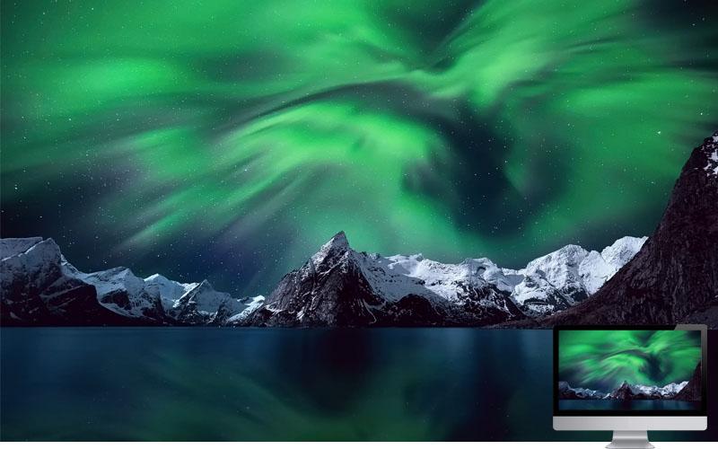 8. Beautiful Aurora in Lake