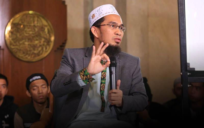 Kata Bijak Ustadz Adi Hidayat tentang Ibadah