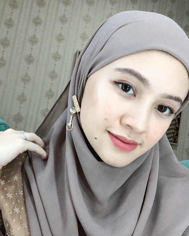 1 Adinda Amira