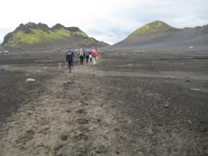 Hiking through the black sands desert towards Emstrur.