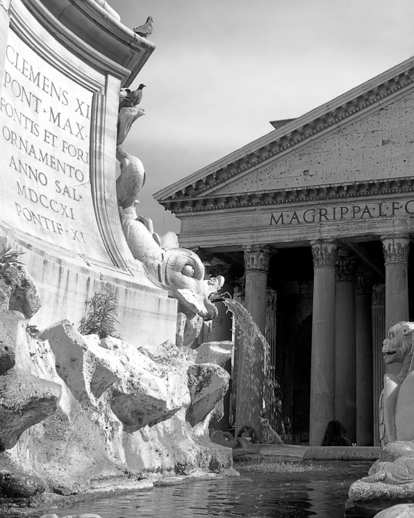2016april23_rome_pantheon_8_cropped_bw