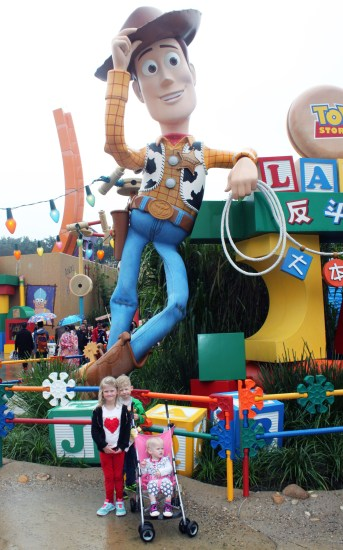 Woody, Toy Story, Hong Kong Disneyland, China, Disney, Family travel, traveling with kids, Disney themeparks