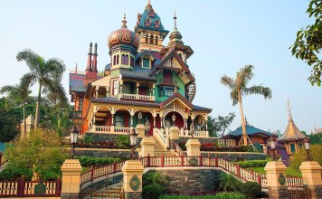 Mystic Manor, Hong Kong Disneyland, China, Disney, Family travel, traveling with kids, Disney themeparks, Slinky Dog Spin, Toy Story, Best ride at Disney