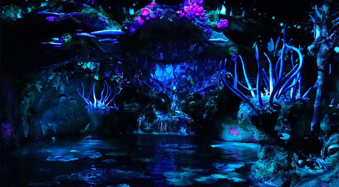 Na'vi River Journey, Pandora, Animal Kingdom, World of Avatar, Boat Ride, Na'vi, diapersonaplane, Diapers on a plane, fastpass+, creating family memories, family travel, traveling with kids