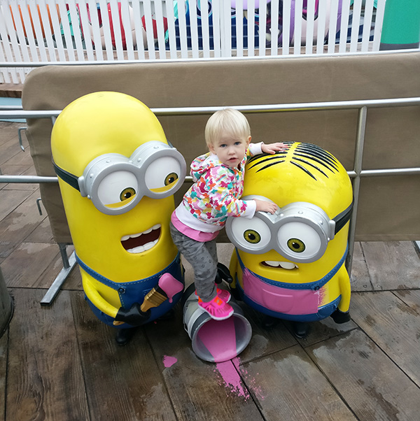 Universal Studios, Theme Park, California, Minons, 2017 Year in Review, diapersonaplane, diapers on a plane, creating family memories, family travel, traveling with kids