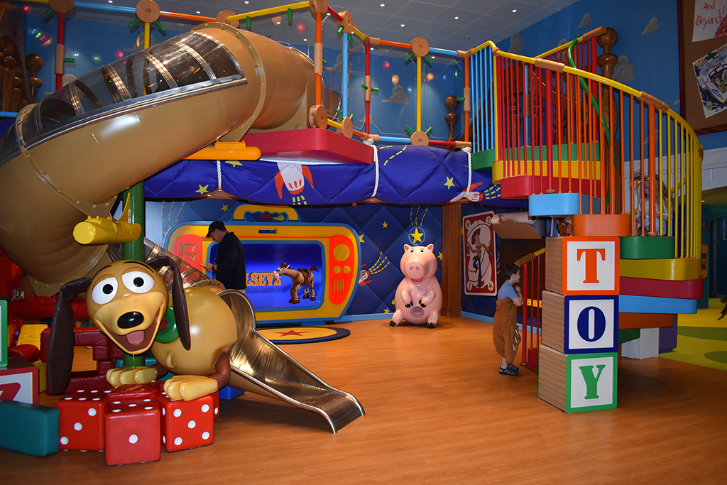 Disney Cruise Kids Club Oceaneer Lab Vibe Edge Its