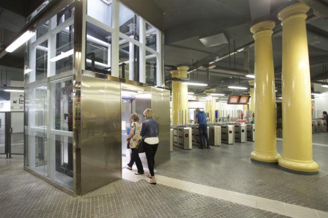 accessibilitat-vestibul-estacio-plaza-catalunya codi accessibilitat