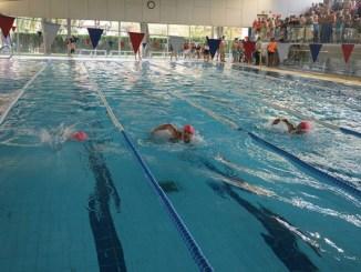 primera jornada escolar temporada natació