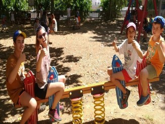 casal-viu-estiu-voluntaris-escola-sinera-arenys