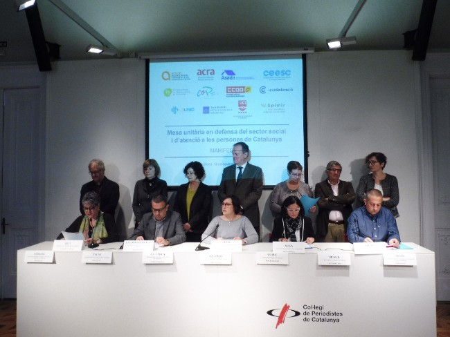 neix mesa unitaria defensa sector social atencio persones catalunya