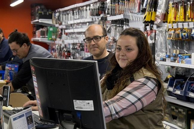 sil aspronis cursos auxiliar hostaleria personal supermercat