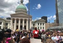 Photo of Protestas por cierre de Clínica de Aborto en Missouri