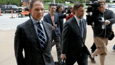 John Rallo de camino a la corte donde se declaró culpable