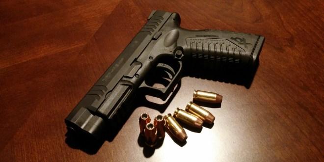 Hispanos en El Paso llenan clases de armas de fuego después de tiroteo en Walmart 1